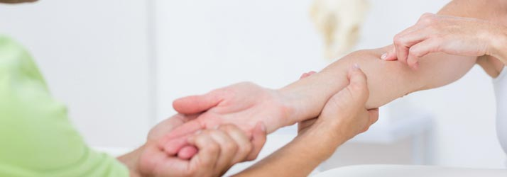Chiropractic Tulsa OK Hand Adjustment